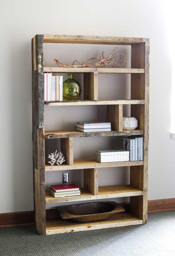 Bookshelf-made-from-a-pallet