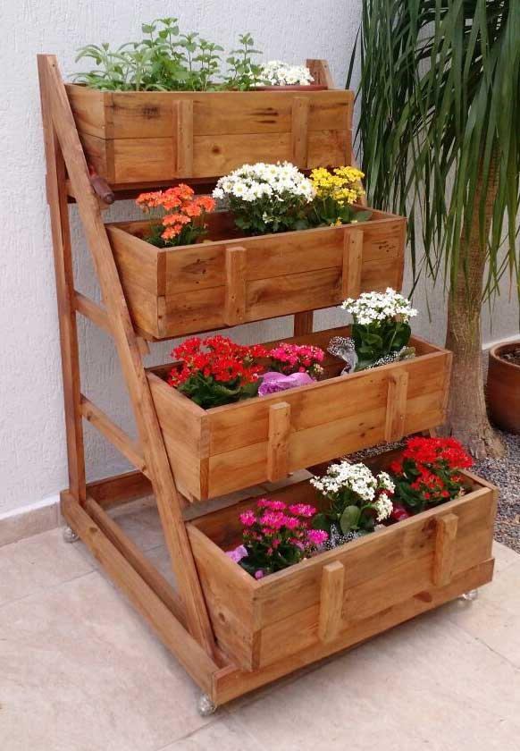 Planters-made-from-pallets-how to get rid of pallets