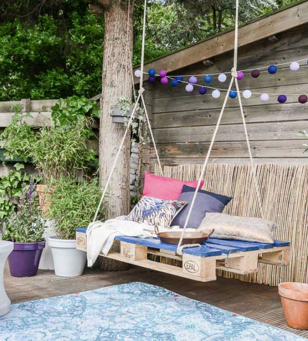 Swing-made-from-a-pallet